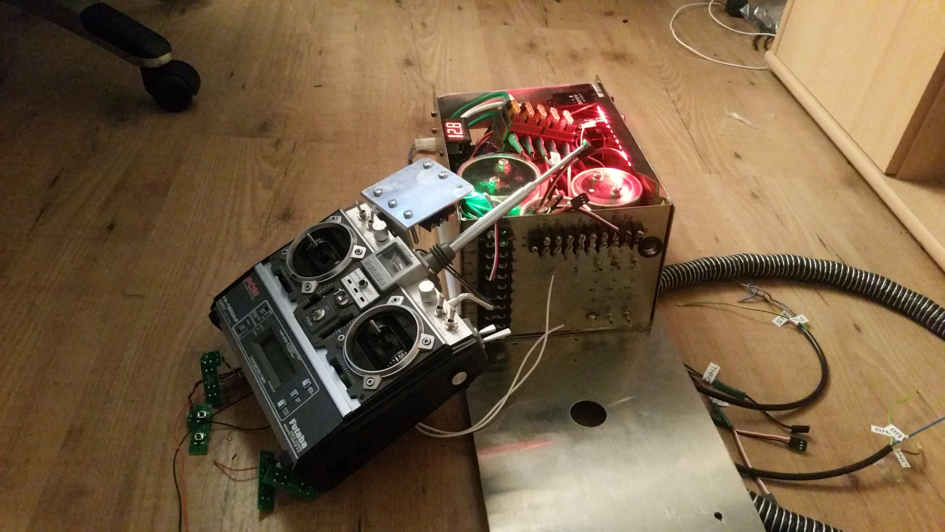 Futuba remote control bttf 2